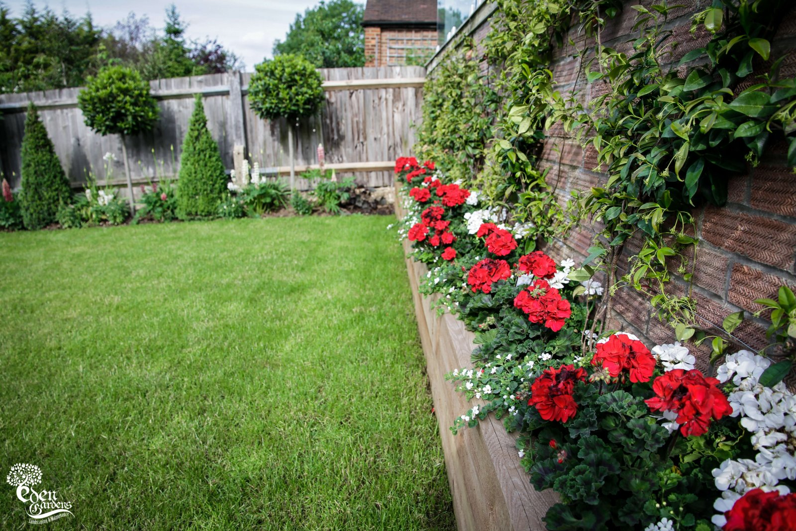 The garden – to do it ourselves or to look for a professional gardening service?